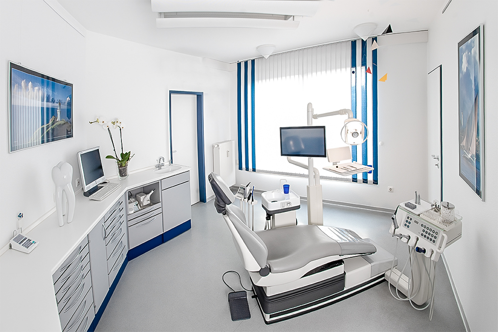 behandlungszimmer-zahnarztpraxis dr. nitschmann dr. firsching-1