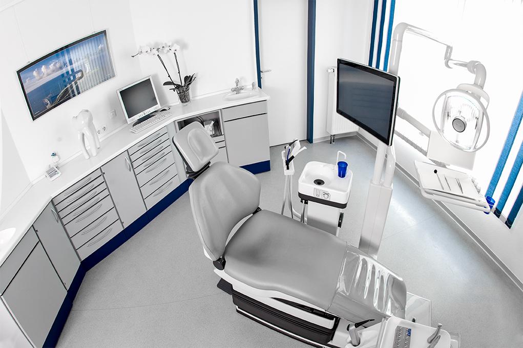 behandlungszimmer-zahnarztpraxis dr. nitschmann dr. firsching-2